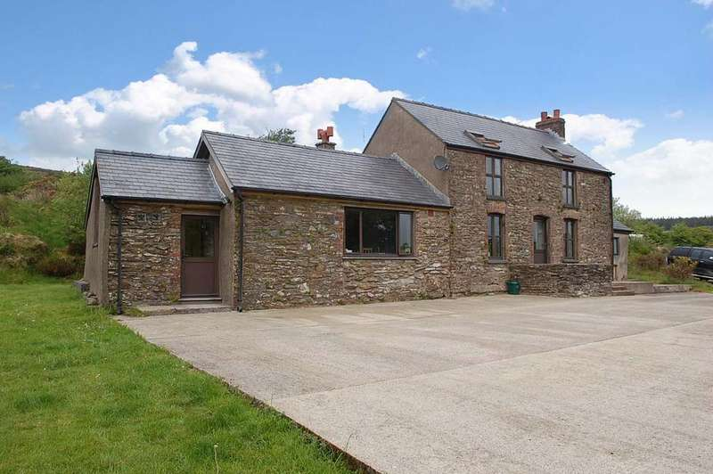 3 Bedrooms Detached House for sale in Whitland PEMBROKESHIRE