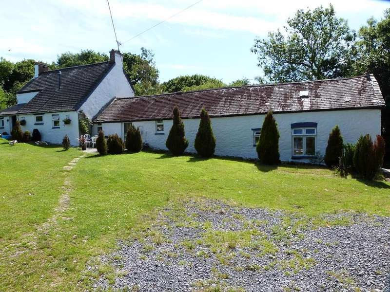 4 Bedrooms Detached House for sale in Trimsaren CARMARTHENSHIRE