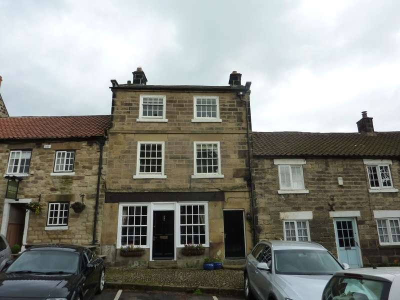 5 Bedrooms Village House for sale in Moon House, 11 South End, Osmotherley, DL6 3BN