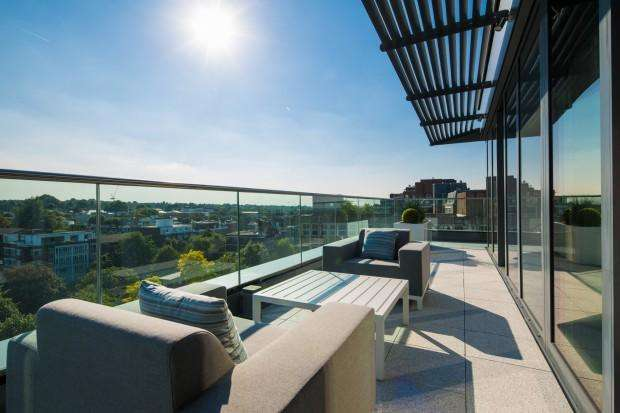 2 Bedrooms Flat for sale in Rainsborough House Rainsborough House, 5 Stamford Square, London, SW15