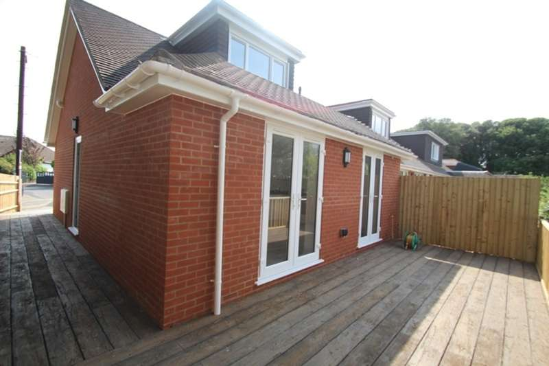 2 Bedrooms Terraced House For Sale In Hengistbury Head