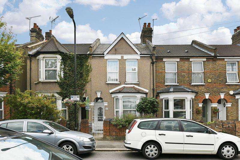 3 Bedrooms Semi Detached House for sale in Chester Road, Walthamstow, E17