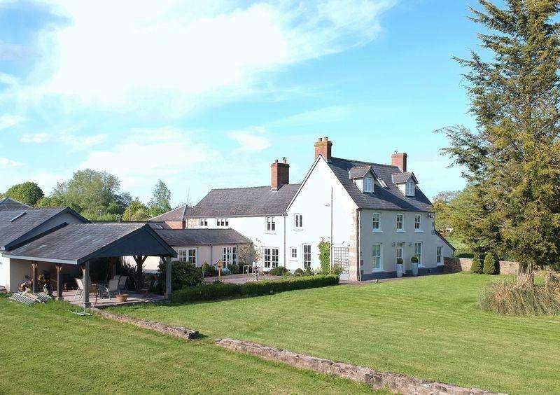5 Bedrooms House for sale in Chepstow Road, Raglan