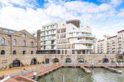 3 Bedrooms Flat for sale in Invicta, Millennium Promenade, Bristol