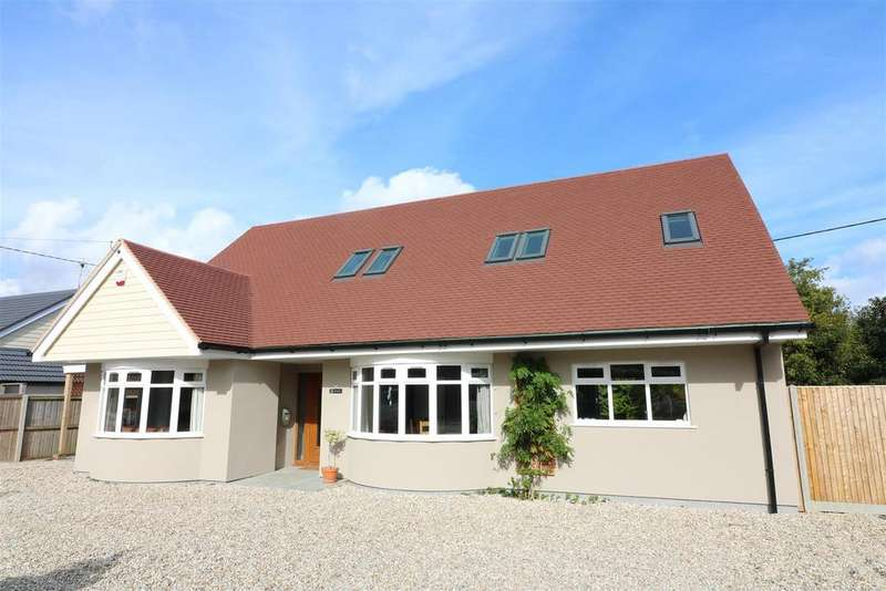 4 Bedrooms Detached House for sale in 2, St. Marys Close, Eastry