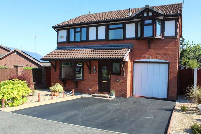 4 Bedrooms Detached House for sale in Lenten Grove, Heywood, Lancashire