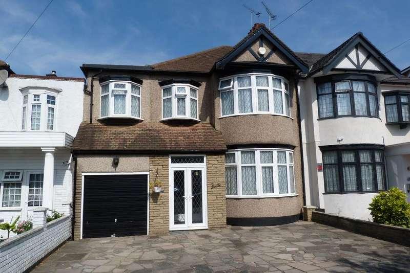 4 Bedrooms Terraced House for sale in Stradbroke Grove, Clayhall IG5