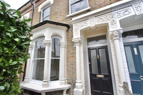 3 Bedrooms Terraced House for sale in Brodia Road, Stoke Newington, N16