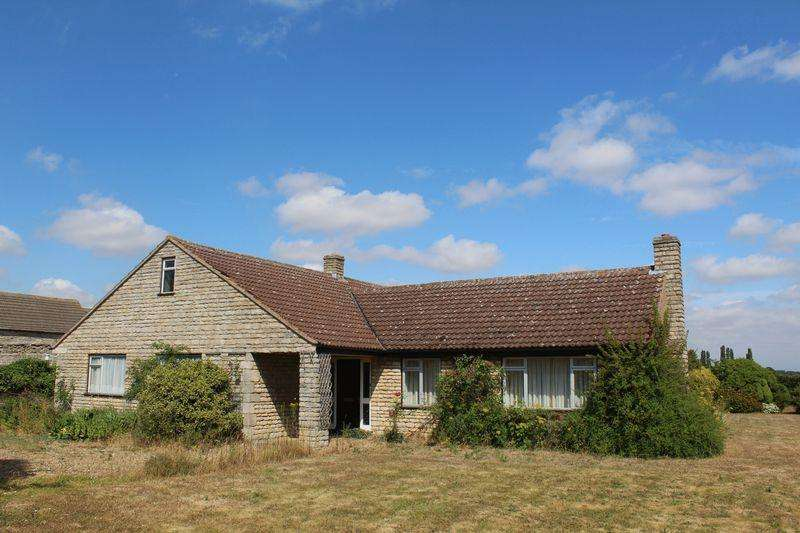 3 Bedrooms Detached Bungalow for sale in Newstead, Stamford