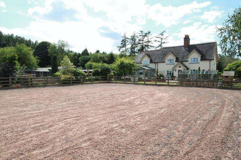 4 Bedrooms Farm House Character Property for sale in Hanchurch Lane, Hanchurch