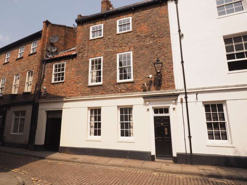 3 Bedrooms Town House for sale in Prince Street, Hull, HU1 2LJ