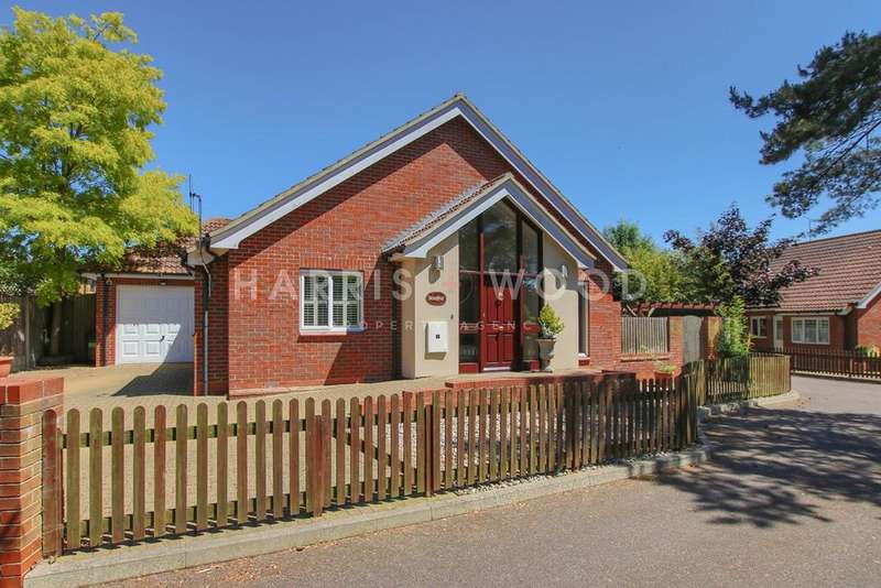 4 Bedrooms Chalet House for sale in Keene Close, West Mersea, Colchester, CO5