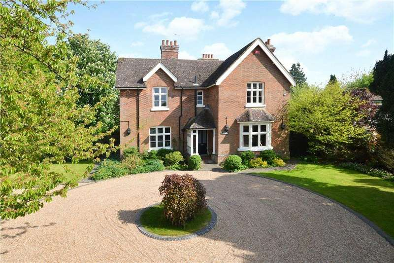5 Bedrooms Detached House for sale in The Street, Brook, Ashford, Kent