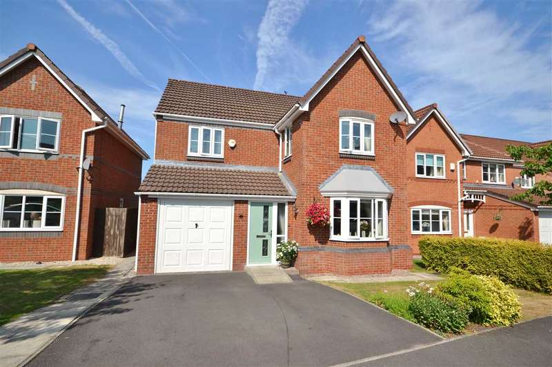 4 Bedrooms Detached House for sale in Nab Wood Drive, Gillibrand North, Chorley