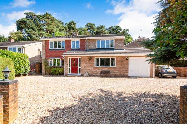5 Bedrooms Detached House for sale in Camberley, Surrey, .