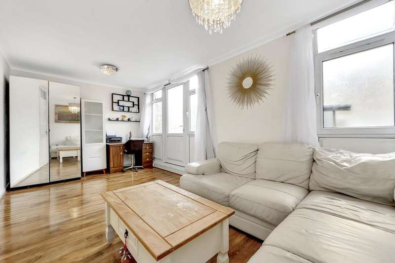 3 Bedrooms Flat for sale in Aytoun Road, London SW9