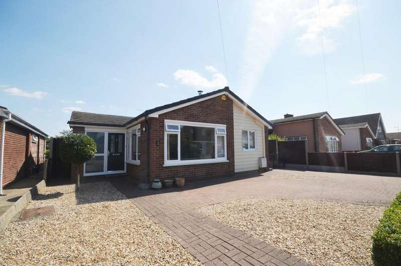 3 Bedrooms Detached Bungalow for sale in Anthony Close, Colchester CO4 0LD