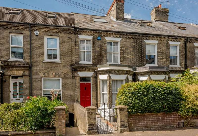 3 Bedrooms Terraced House for sale in Mill Hill Road, Norwich, NR2