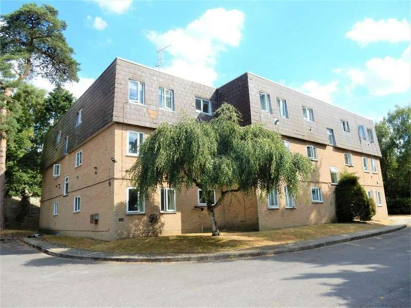 1 Bedroom Flat for sale in Woodlands Court, Owlsmoor, SANDHURST, Berkshire