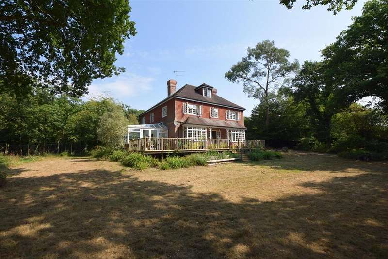 5 Bedrooms Detached House for sale in Old Forewood Lane, Crowhurst