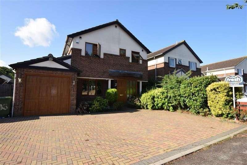 4 Bedrooms Detached House for sale in Ilmington Drive, Basildon, Essex