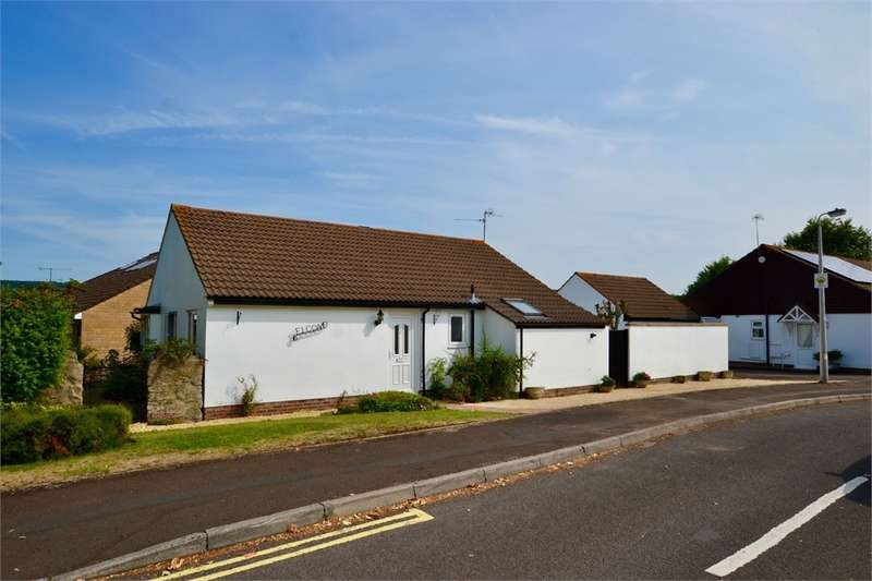 3 Bedrooms Detached Bungalow for sale in Chapel Close, Nailsea, Bristol, North Somerset