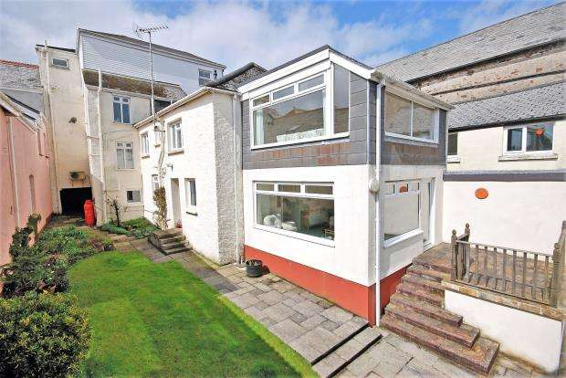 3 Bedrooms Semi Detached House for sale in Fore Street, Holsworthy, Devon