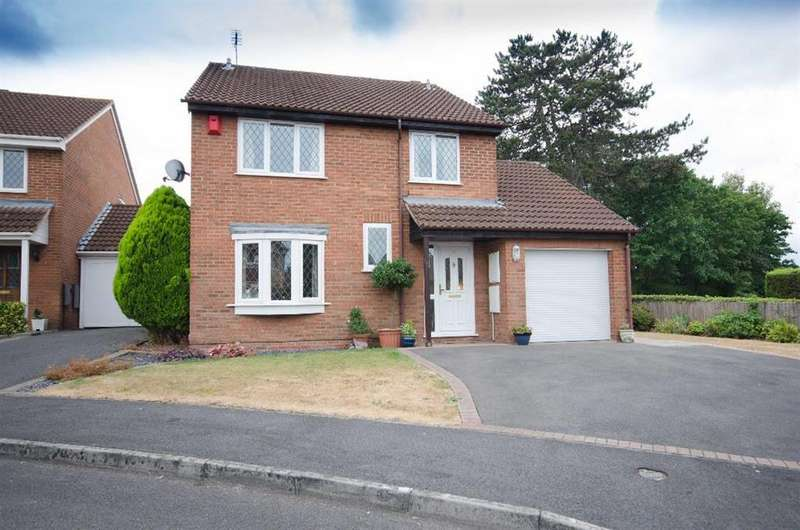 4 Bedrooms Detached House for sale in Field View Drive, Downend, Bristol, BS16 2TT