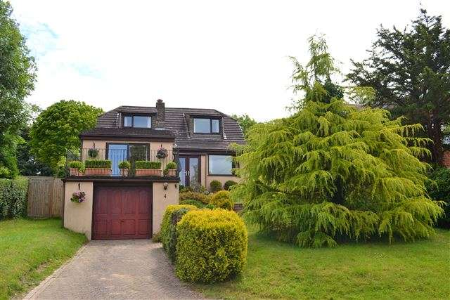 4 Bedrooms Detached House for sale in Downhouse Road, Catherington, Waterlooville, Hampshire, PO8 0TX