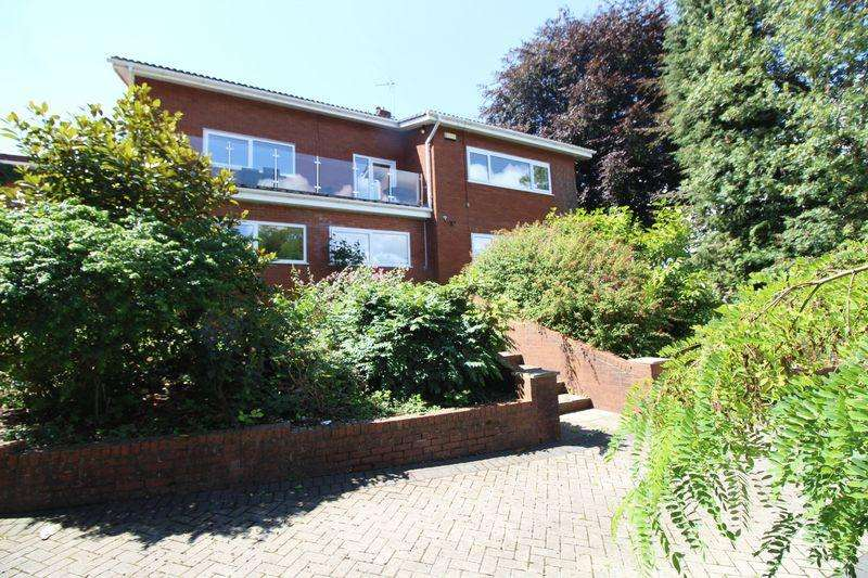 5 Bedrooms Detached House for sale in Mounton Road, Chepstow