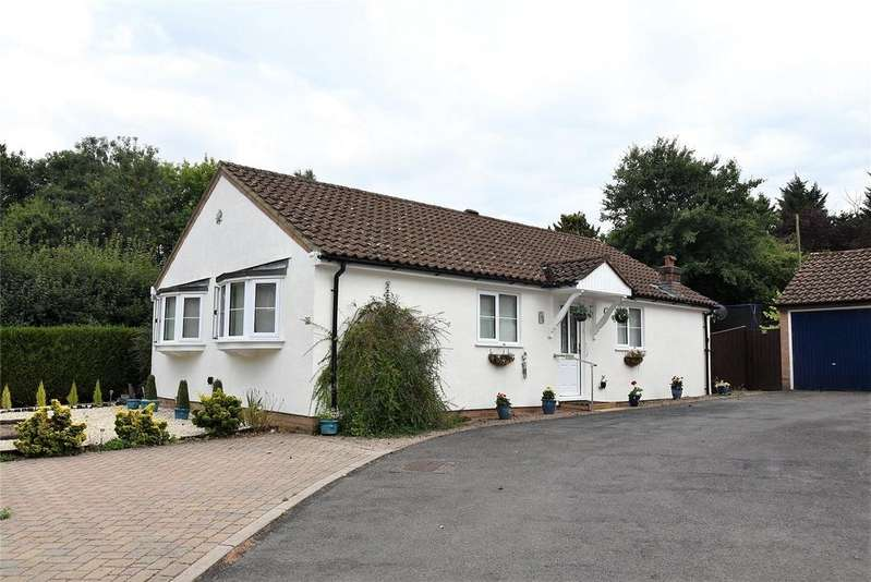 3 Bedrooms Detached Bungalow for sale in Sandford Close, Kingsclere, Newbury, Hampshire, RG20