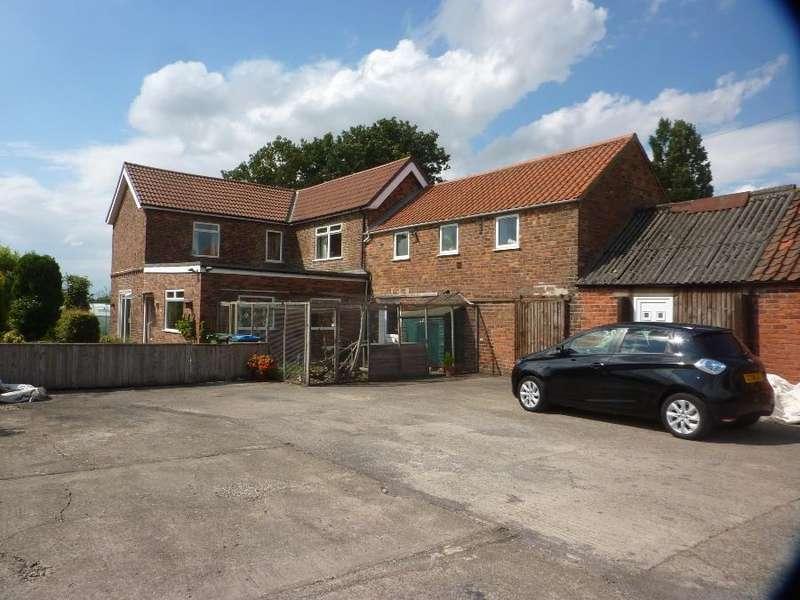 4 Bedrooms Detached House for sale in De Ferrers Road, Brompton, Northallerton