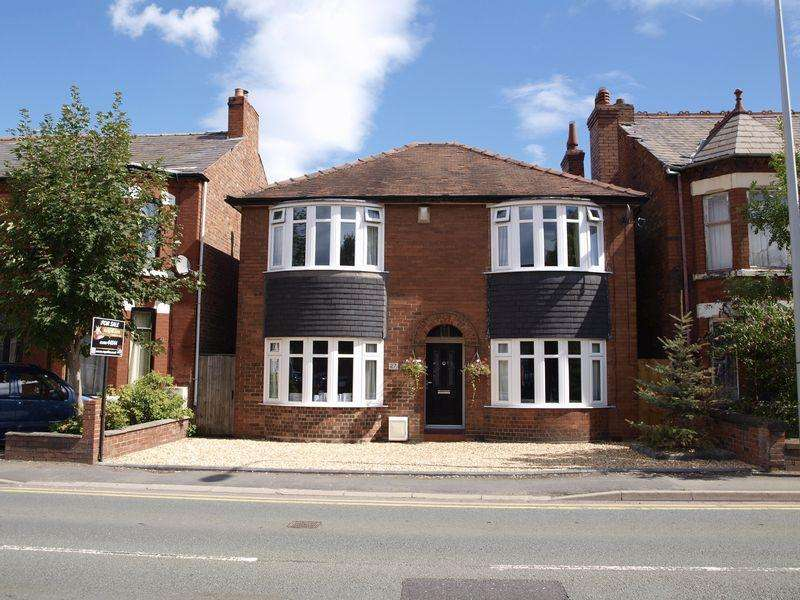 3 Bedrooms Detached House for sale in Middlewich Road, Northwich, CW9 7BP