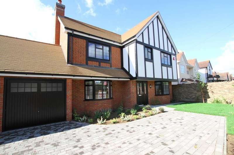 4 Bedrooms Detached House for sale in Esplanade Gardens, Westcliff-On-Sea