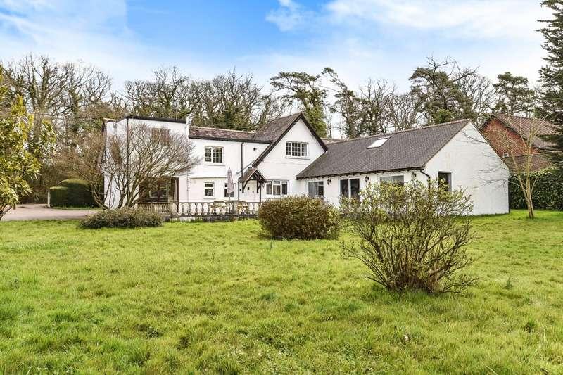 4 Bedrooms Detached House for sale in Marringdean Road, Billingshurst, RH14