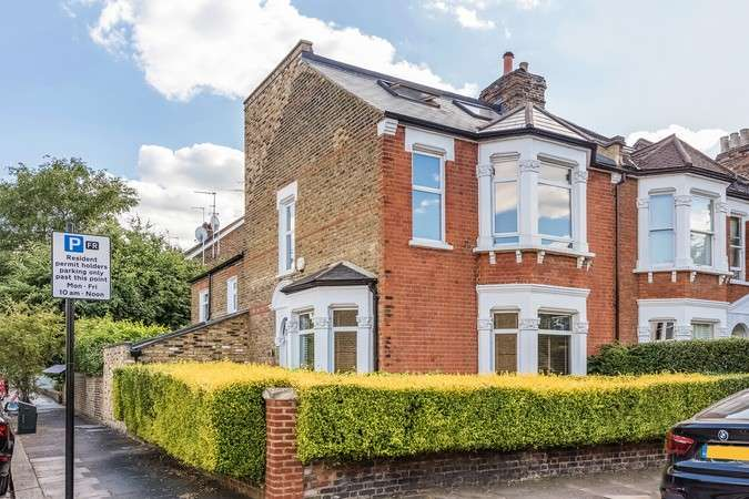 4 Bedrooms End Of Terrace House for sale in Gordon Road, Chiswick