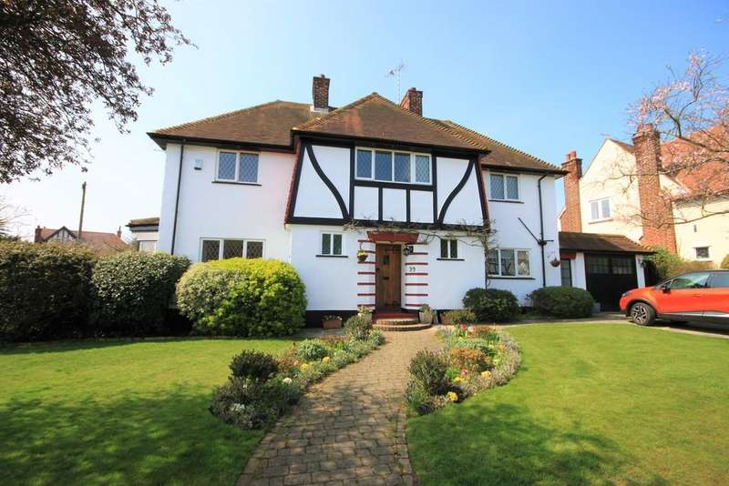 4 Bedrooms Detached House for sale in St. James Gardens, Westcliff-on-Sea