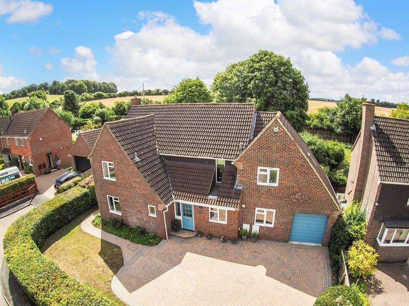 5 Bedrooms Detached House for sale in Kingsmead, Anna Valley, Andover