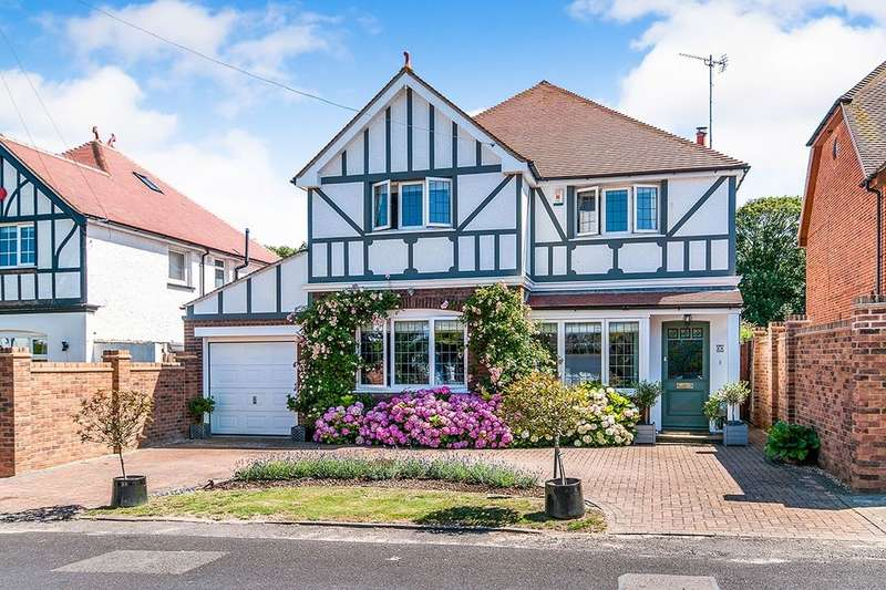 4 Bedrooms Detached House for sale in Fitzroy Avenue, Broadstairs, CT10