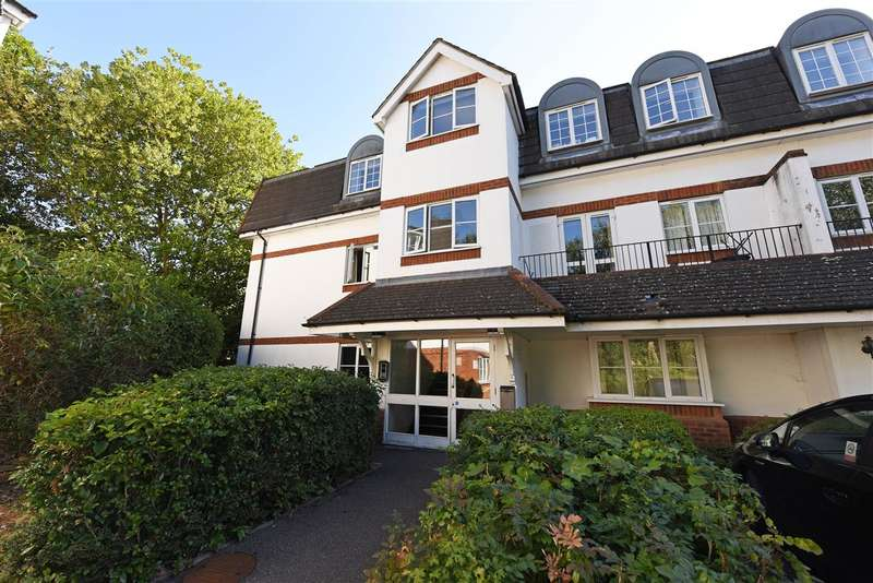 2 Bedrooms Apartment Flat for sale in Mountcombe House, Chaucer Way, Wimbledon
