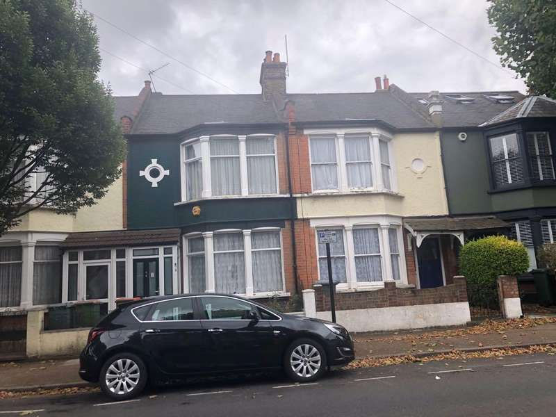 4 Bedrooms Terraced House for sale in Henniker Gardens, LONDON E6