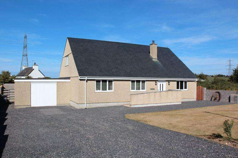 3 Bedrooms Detached Bungalow for sale in Tregele, Cemaes Bay