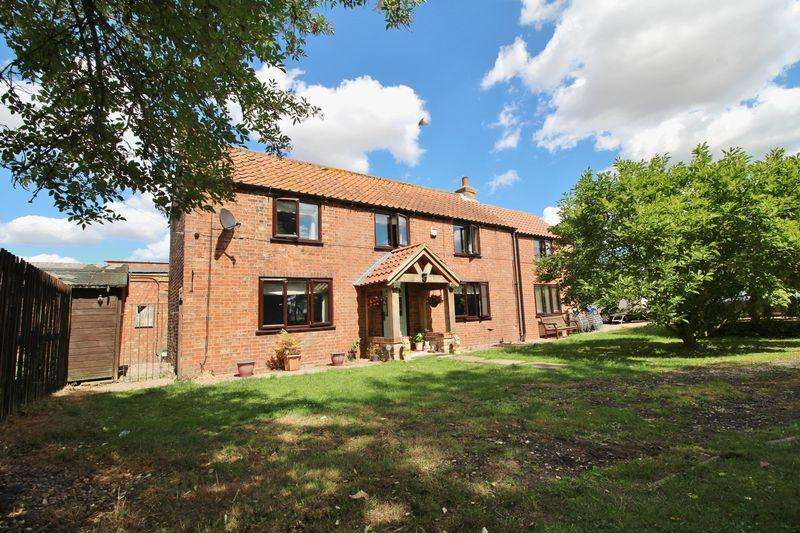 4 Bedrooms Detached House for sale in Thurlby Road, Alford