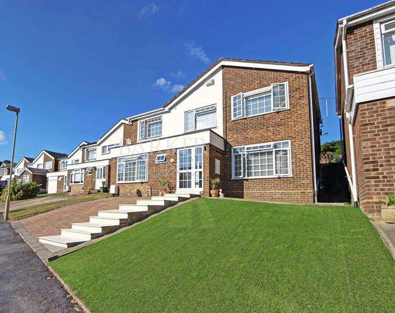 5 Bedrooms Detached House for sale in Big Ben