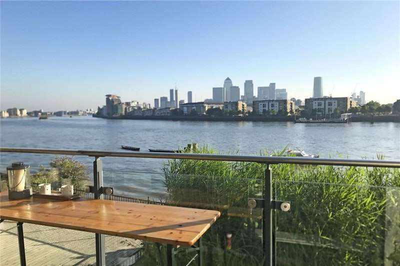3 Bedrooms Semi Detached House for sale in Wharf Street, LONDON, London, SE8