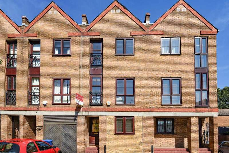 4 Bedrooms Terraced House for sale in Brunswick Quay, Surrey Quays