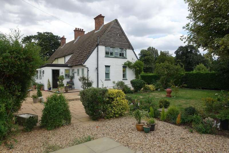 3 Bedrooms Semi Detached House for sale in New Road, Sutton Bridge, Wisbech, Cambs, PE12 9QE