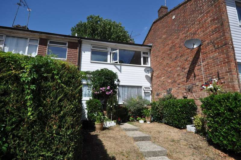 3 Bedrooms Terraced House for sale in Hanwood Close, Woodley, Reading, RG5 3AB