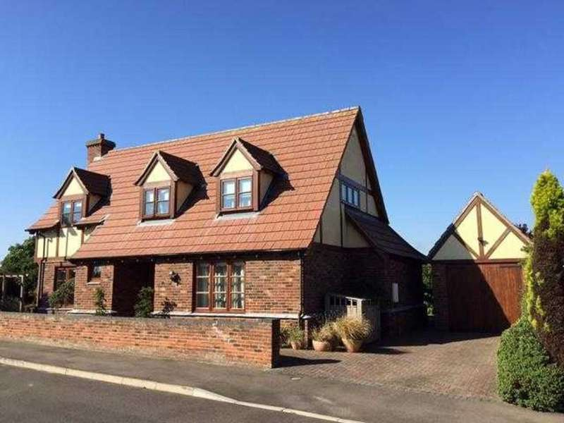 3 Bedrooms Detached House for sale in St Marys Close,Hogsthorpe