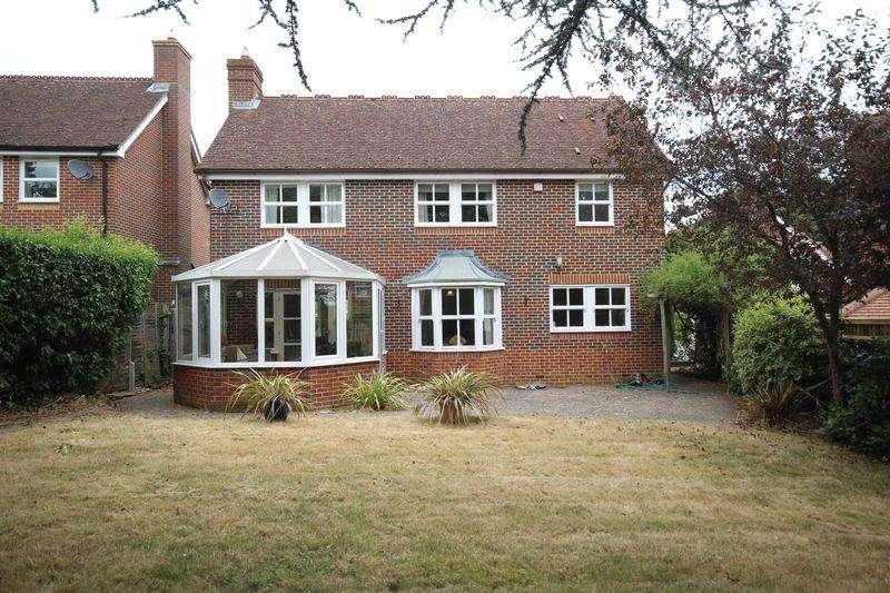 4 Bedrooms Detached House for sale in The Haydens, Tonbridge